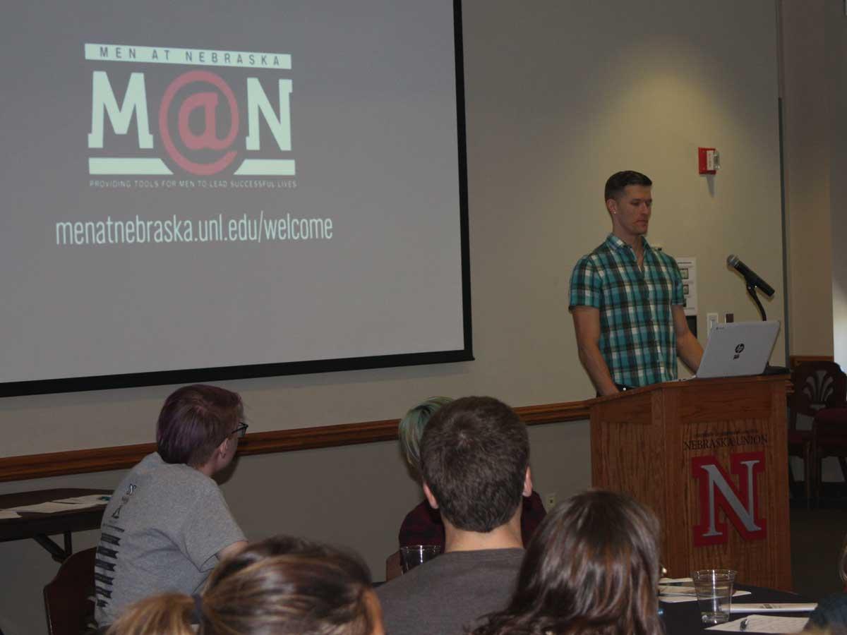 Eric Lueshen speaks at 2016 Men at Nebraska Conference