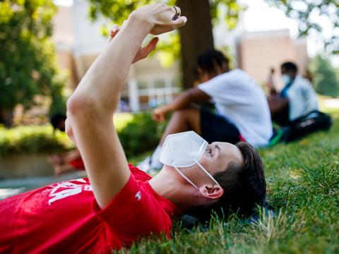 Like free food, Husker spirit, and socially-distanced fun? Head to the Nebraska Union Greenspace on Friday, October 9 for Big Red Rewinds.