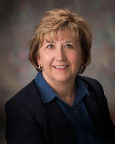 Linda Schwartzkopf, recipient of the James V. Griesen Award for Exemplary Service to Students