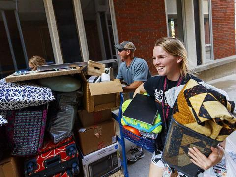 Student moves into University Housing