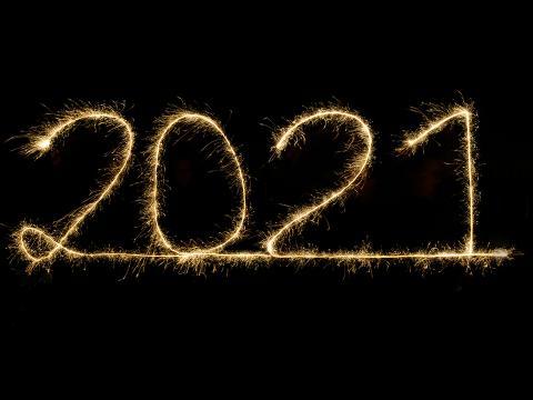 2021 written in sparklers
